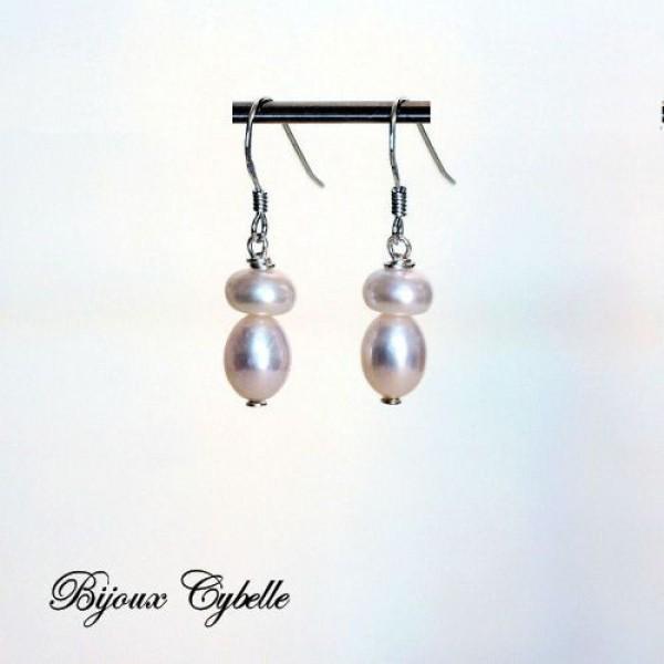 Boucles d'oreilles - perles de culture blanches.
