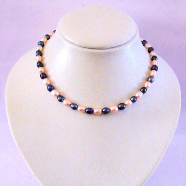 Collier - Perles de culture roses et noires