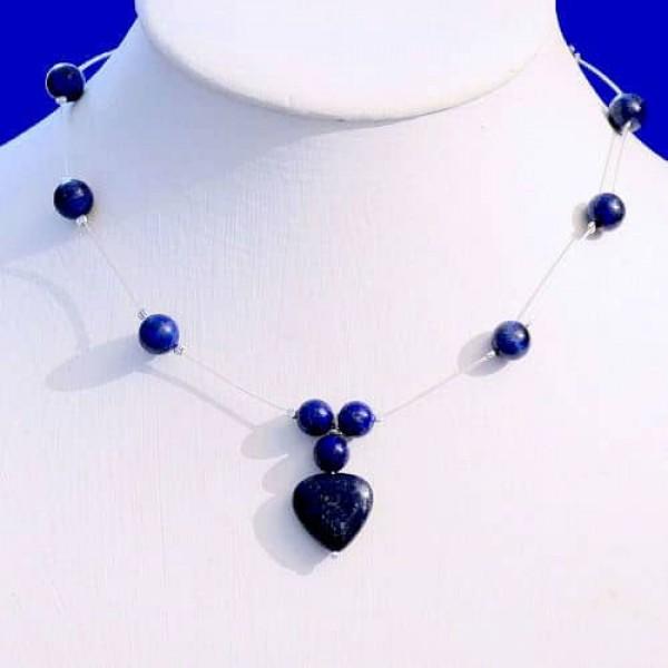 Collier en Lapis lazuli sur cable gainé