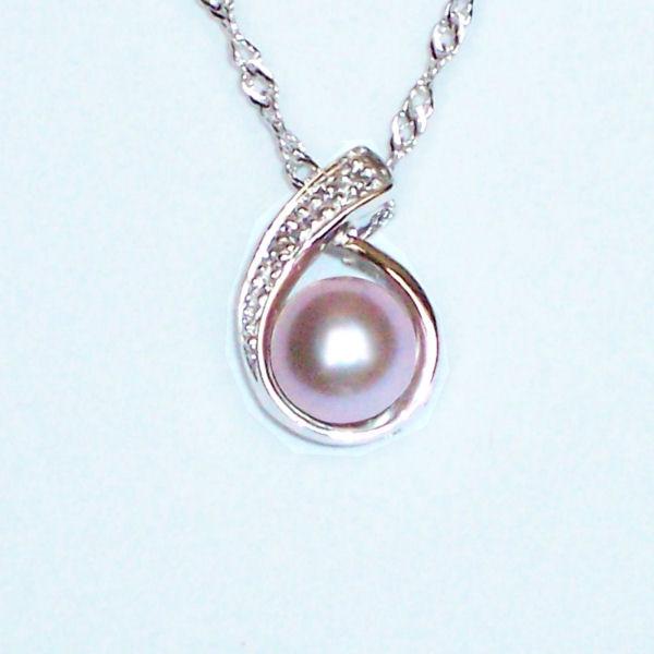 Perle de culture de couleur lavande